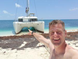 mit dem Catamaran auf den Strand