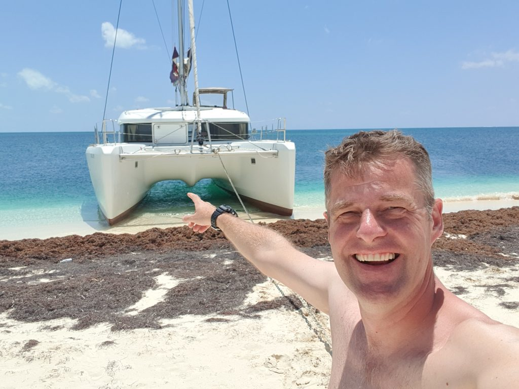 Wie man einen Catamaran beached
