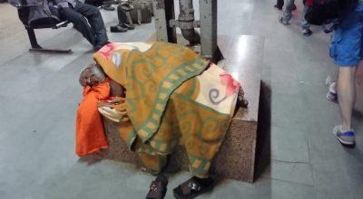 Müder Mann in Indien